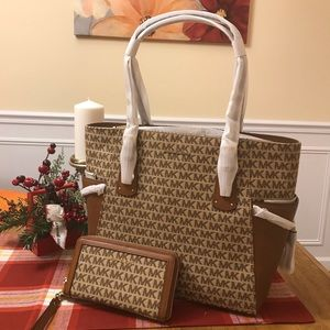 NWT MK Tote and Phone Wallet
